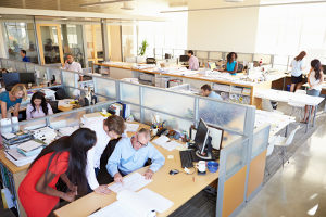 Abmahnung: Der Betriebsfrieden ist wichtig für ein funktionierendes Unternehmen und wird bei Nichtbeachtung bestraft.