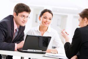 Im Bereich Arbeitsrecht ist der Anwalt aus Stuttgart eine Empfehlung.