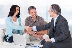 Ein Rechtsanwalt für Arbeitsrecht in Trier hilft Ihnen, wenn es Probleme mit dem Chef gibt.