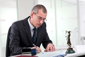 Ein Anwalt für Arbeitsrecht in Cloppenburg ist bei Problemen mit dem Arbeitgeber der richtige Ansprechpartner.