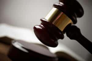 Nicht immer muss eine Fareds-Klage auch zur Verurteilung führen: Unter bestimmten Umständen wird sie manchmal auch wieder zurückgezogen.