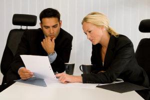 """Ein Anwalt kann Ihnen bei einer Abmahnung wegen """"Die Bestimmung - Allegiant"""" weiterhelfen."""