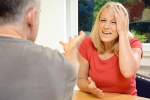 Abmahnungsgründe gibt es viele, zum Beispiel Beleidigung.