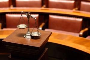 Einer Abmahnung folgend eine einstweilige Verfügung kontern: Hier bestehen vor Gericht viele Möglichkeiten.