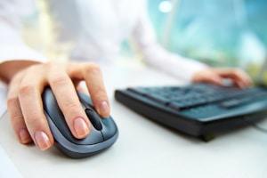 Eine Abmahnun wegen illegalem Filesharing durch eine falsche IP-Adresse erhalten: Hier hilft ein Rechtsanwalt.