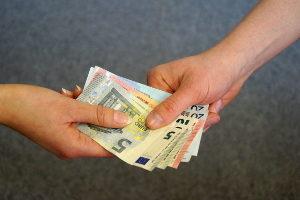 Bei einem Kleingewerbe sollten die AGB den Kleinunternehmer-Status widerspiegeln.