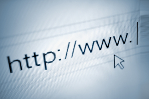 Im Internetrecht kann eine Abmahnung hohe Schadensersatzforderungen auslösen.
