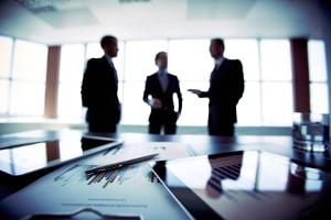 § 10 UWG sorgt dafür, dass sich mehrere Unternehmer wehren können, wenn sie kleine Schäden erlitten haben.