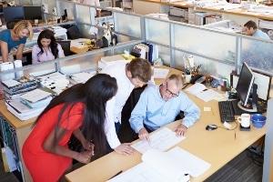 Für eine Abmahnung wegen Schlechtleistung muss die durchschnittliche Arbeitsleistung stark unterschritten werden.