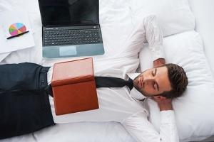 Auch die Arbeitsverweigerung nach einer Kündigung kann noch eine Abmahnung nach sich ziehen.