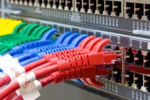 Beim Usenet gibt es kein zentrales System.