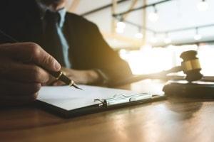 Ein auf das Arbeitsrecht spezialisierter Anwalt in Darmstadt kann Ihnen bei vielen Belangen weiterhelfen.