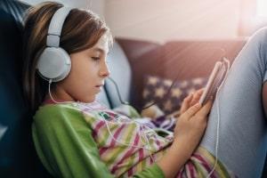 Störerhaftung: Eltern haben die Pflicht, ihre Kinder über illegales Filesharing aufzuklären.